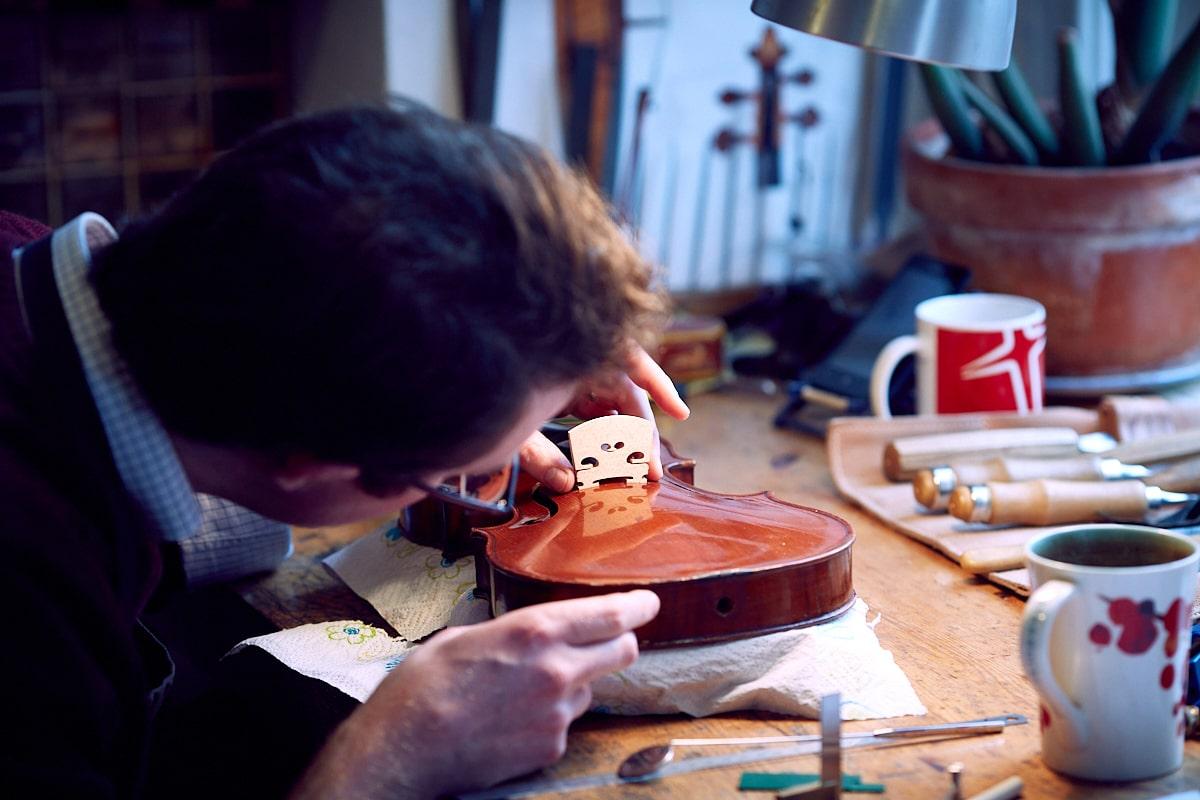 violincrd24GautStudiosmaller-min
